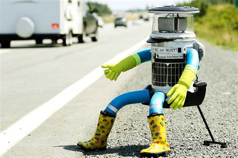 Hot Shots Photos of the Day: Bog Snorkelling, Hitchhiking